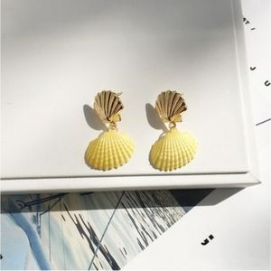 Jewelry - Clam Shell Drop Earring 14K Gold Plated Yellow
